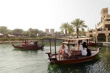 Smart guide on relocating from France to Dubai
